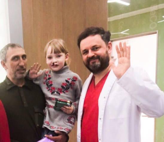 Відомий хірург з Волині безкоштовно оперуватиме дітей із дефектом обличчя