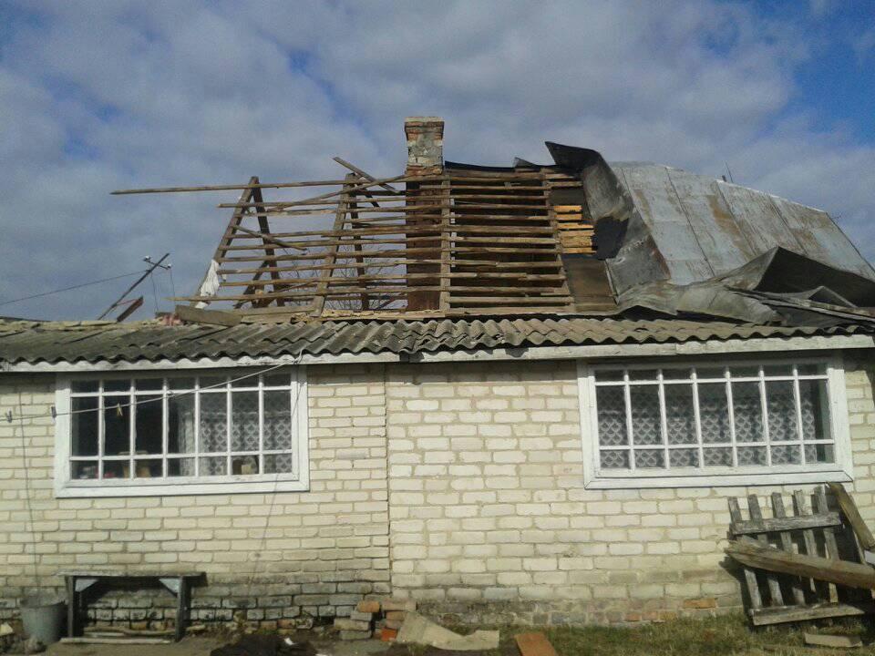 На Волині буревій зняв дах із будинку. ФОТО