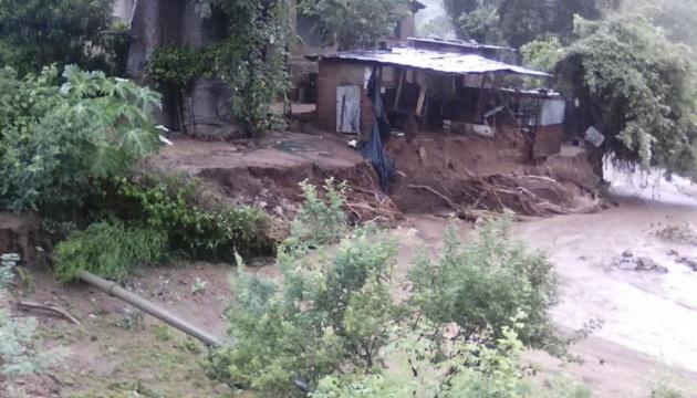 У Зімбабве повінь забрала життя понад 30 людей