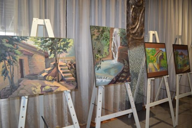 У простір музею Луцька увірвався «Крилатий вітер» молодих художниць. ФОТО