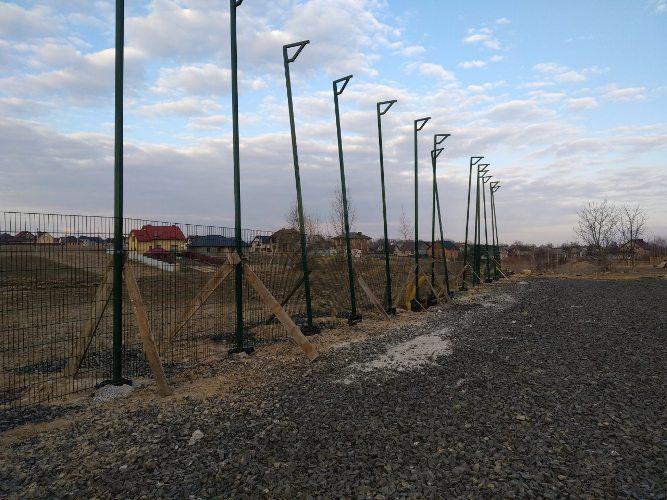 У Рожищі будують спортивний майданчик зі штучним покриттям. ФОТО