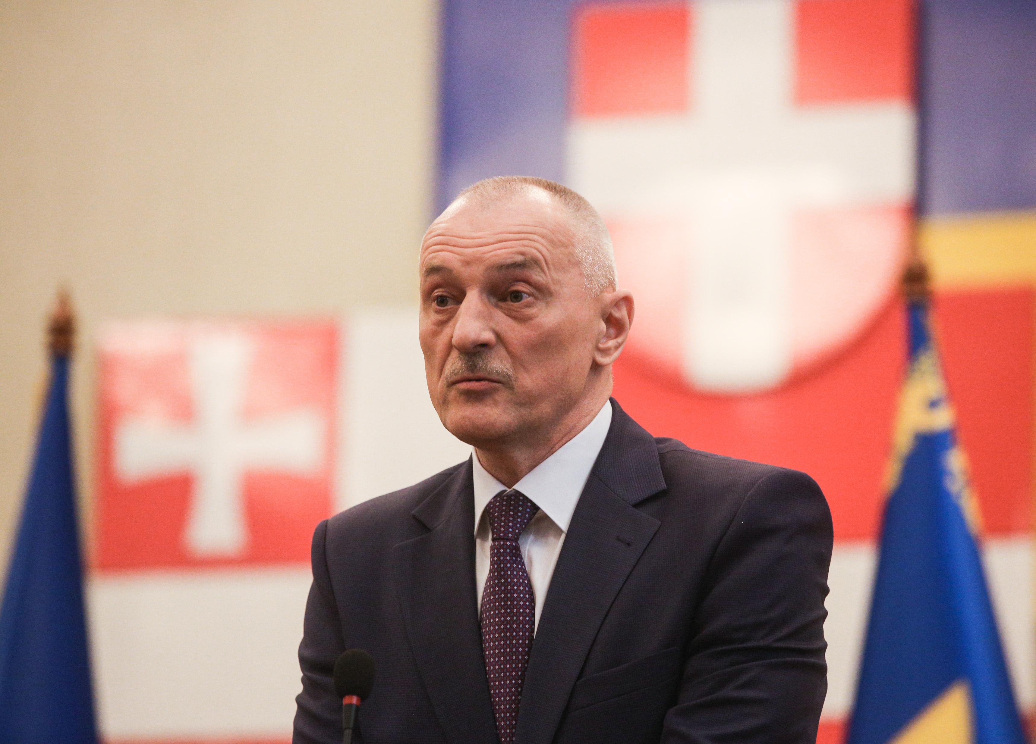 «Це воровской общак», – Савченко пояснив, чому в маршрутках лунає шансон