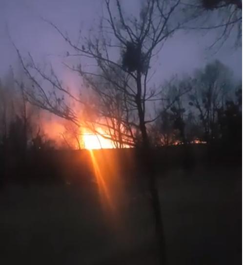 У Рованцях горить поле. ВІДЕО