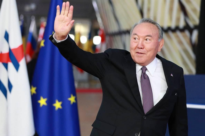 Президент Казахстану йде у відставку
