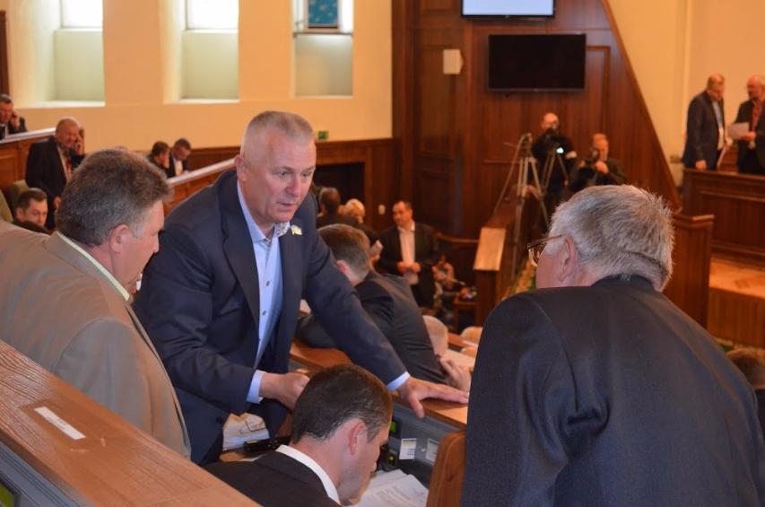 Депутат Волиньради не має ні житла, ні авто, тільки – долари