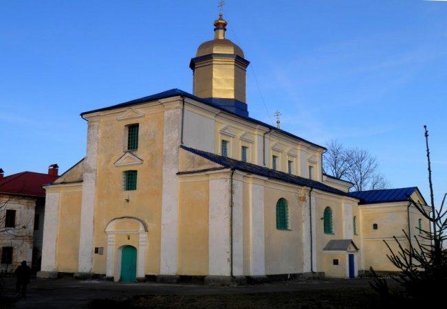 Громаді поблизу Луцька передали храм та дзвіницю