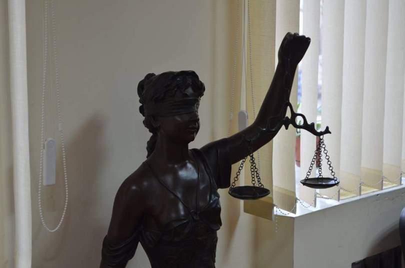 Заступник голови Луцького міськрайонного суду має акції компанії, у якої постійні суди, а «сліди» ведуть на Кіпр