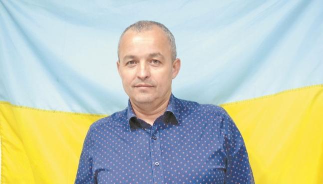 Волинський депутат-мільйонер не має житла і позичає авто
