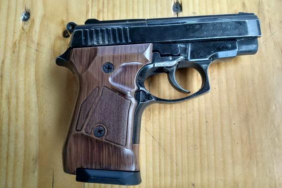 У Ківерцях поліцейські вилучили пістолет і набої