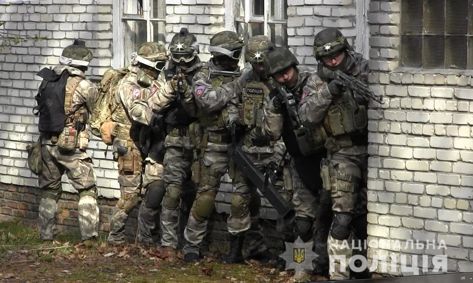 Волинські правоохоронці провели спільні тактико-спеціальні навчання. ФОТО
