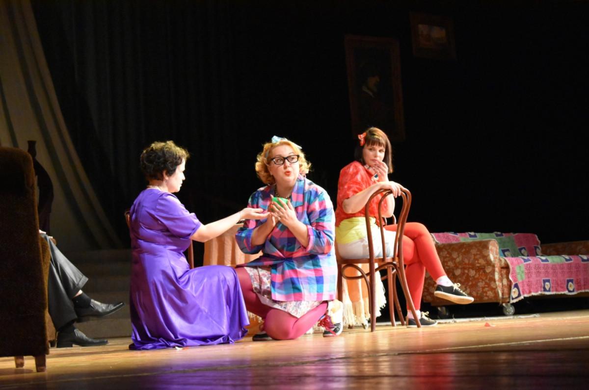 У Луцьку мами надзвичайних діток успішно дебютували на великій сцені. ФОТО