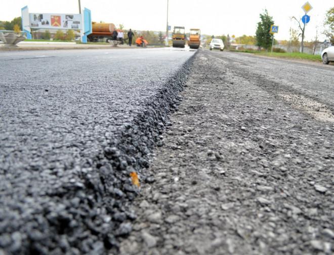 Повідомили, скільки витратять на ремонт доріг місцевого значення на Волині