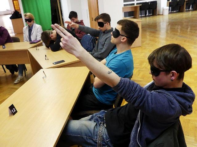 У Луцьку молодь грає в інтелектуальні ігри для саморозвитку. ФОТО