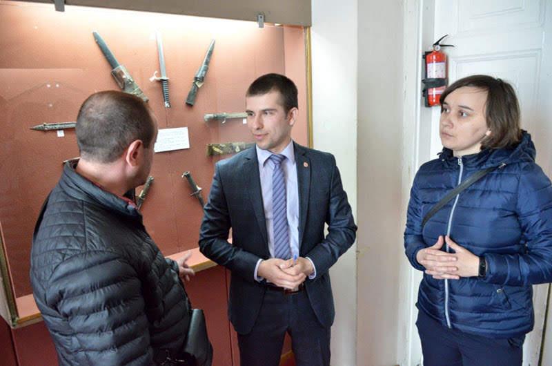 В обласному музеї відкрили виставку «Багнети армій світу». ФОТО
