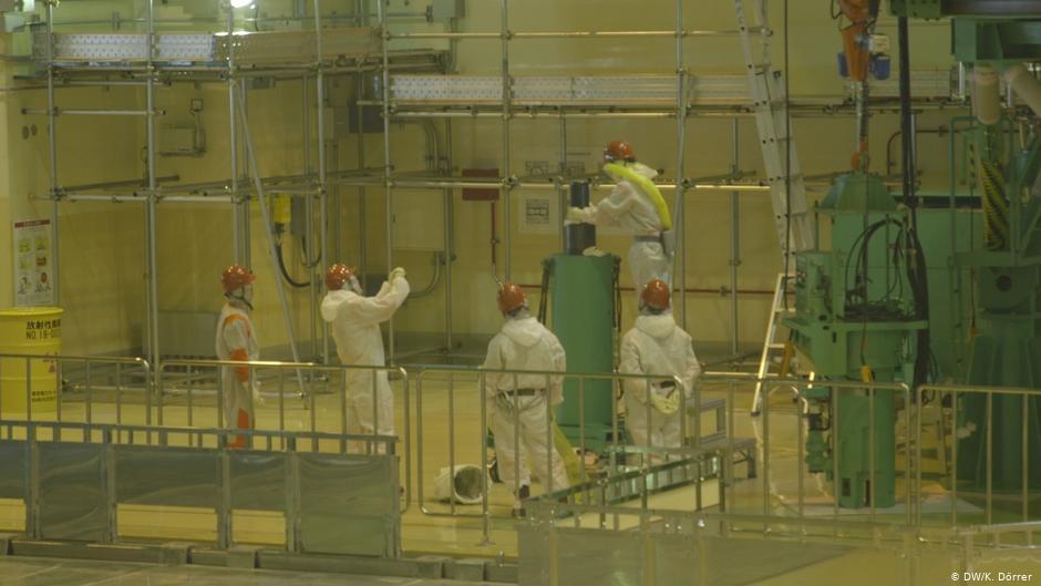 У Японії почали вилучати ядерне паливо зі зруйнованої АЕС у Фукусімі