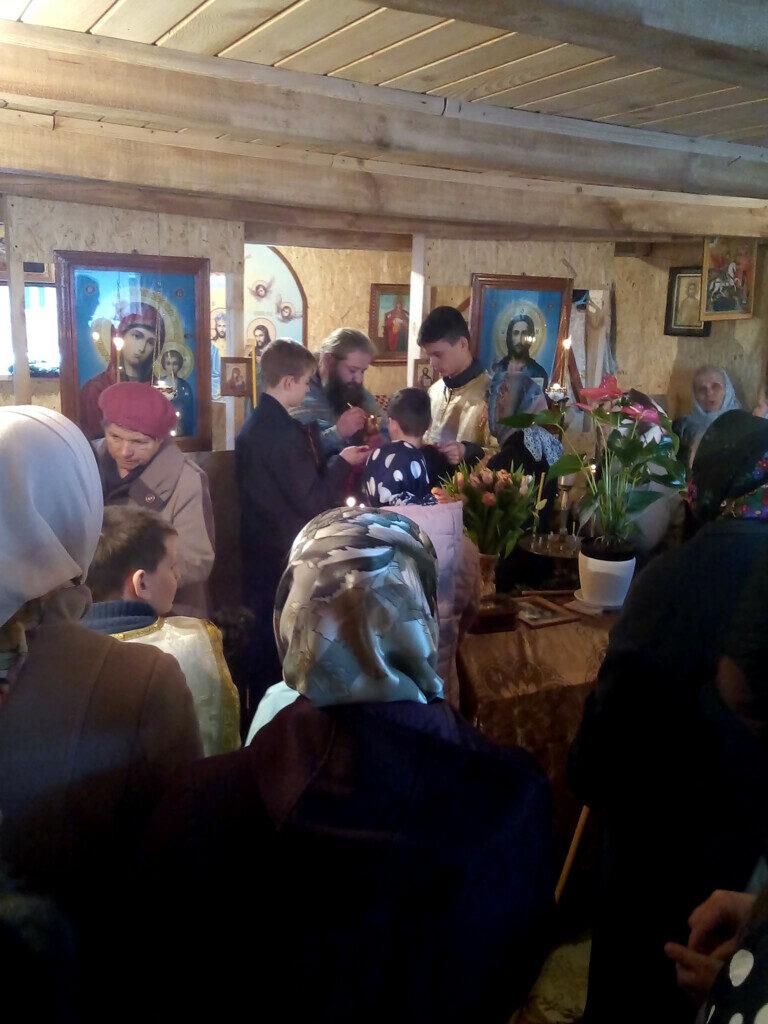 У волинському селі прихильники Московського Патріархату моляться в гаражі священика