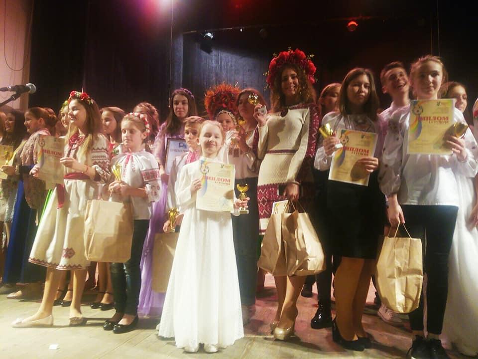 Юна лучанка стала переможницею на конкурсі у Чернівцях. ФОТО