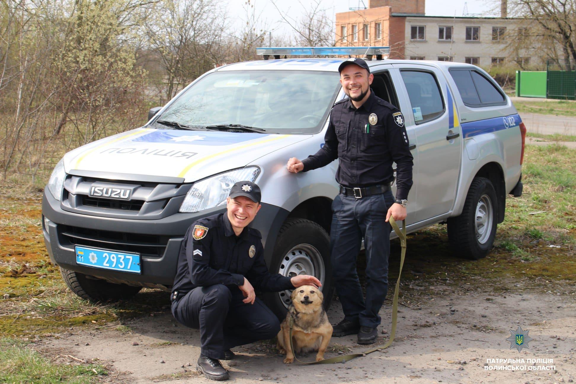 У Луцьку патрульні взяли участь у соціальному проекті. ФОТО