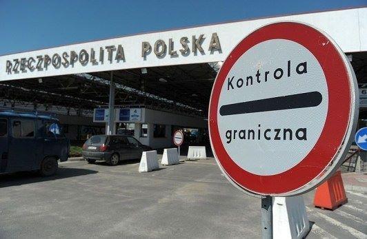 Медики транспортували хворого волинянина з Польщі