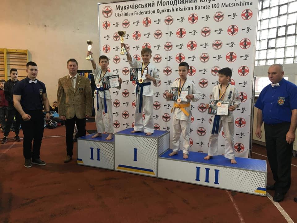 Юний лучанин здобув золоту медаль з карате у Мукачево