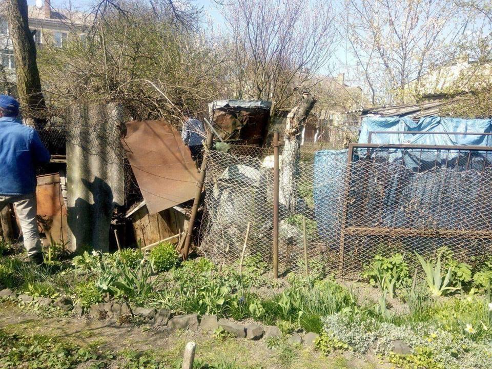 В історичній частині Луцька демонтували занедбані сараї. ФОТО