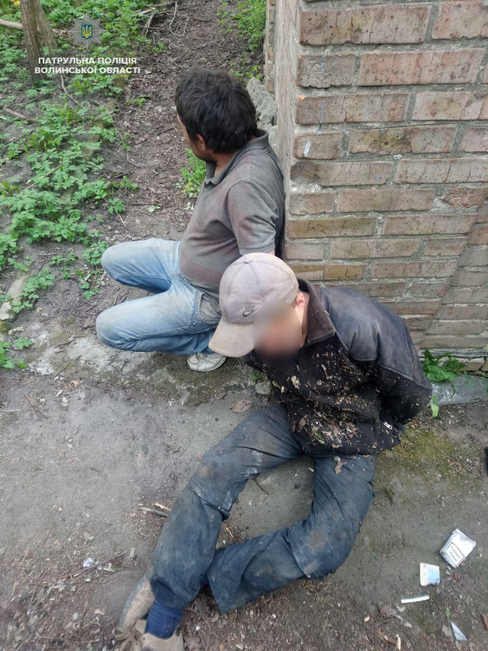Патрульні у Луцьку затримали крадіїв металу та нетверезих водіїв
