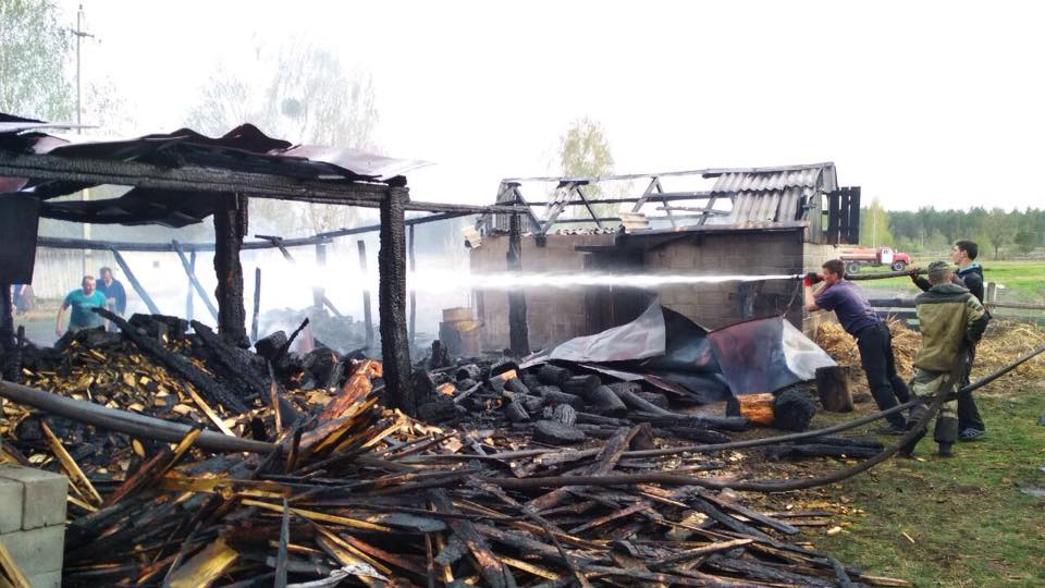 На Волині горіли дві господарські будівлі. ФОТО