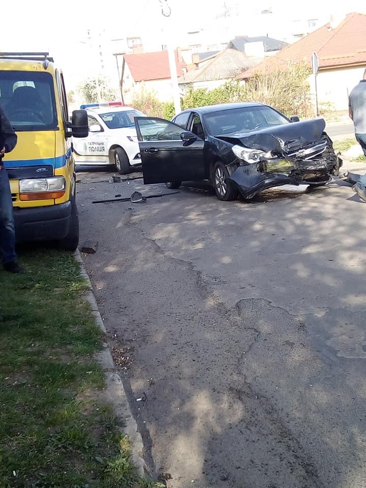 У Луцьку чергова аварія на перехресті. ФОТО