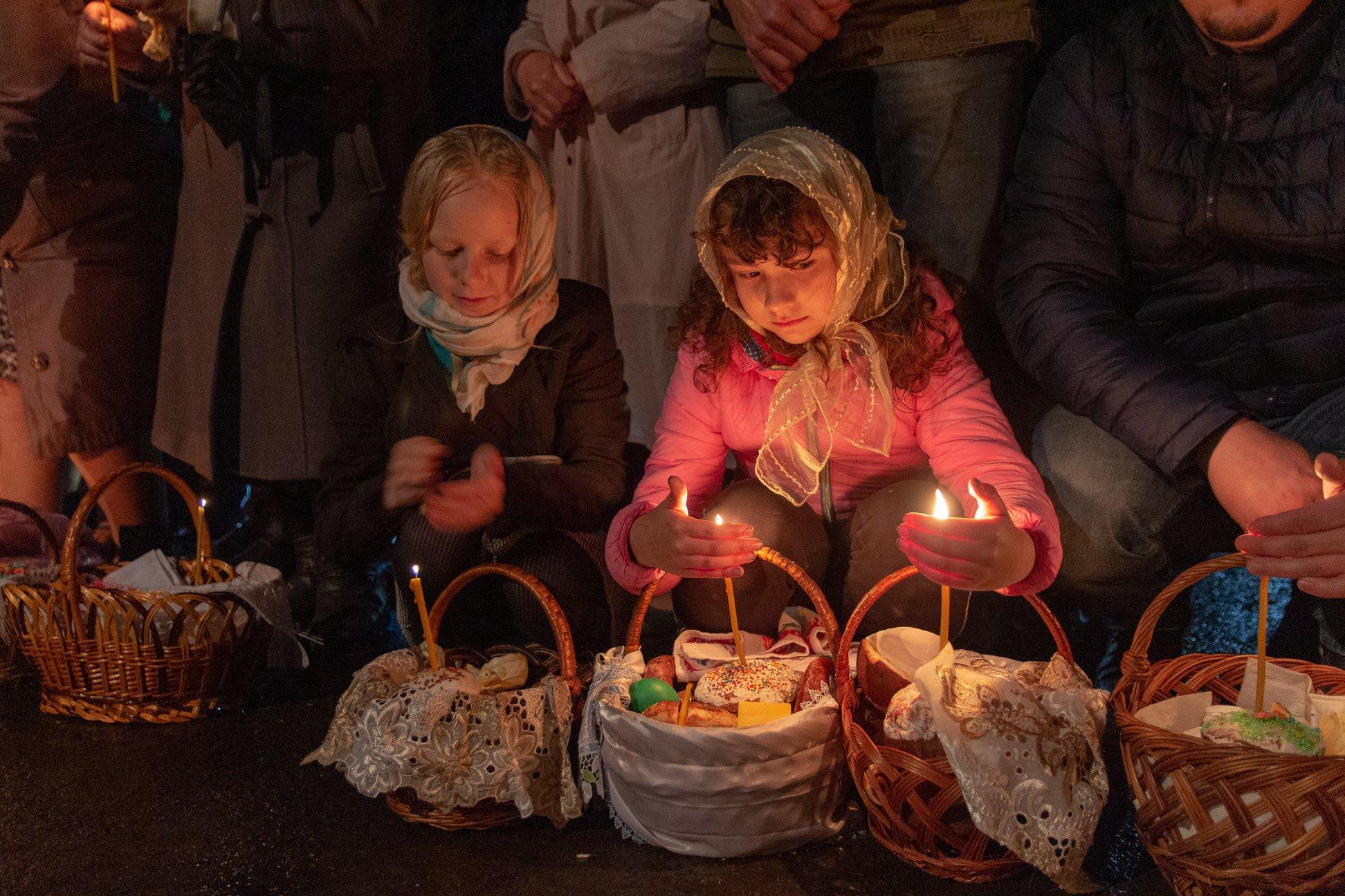 Як освячували паски у храмі монастиря поблизу Луцька