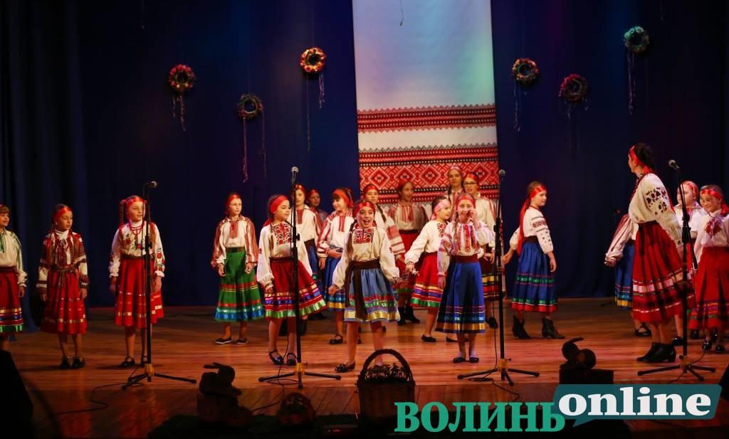 Етнофестиваль «Великдень у Луцьку» відбувся попри негоду