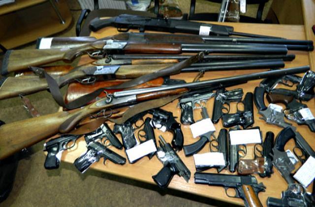 На Волині стартував місячник добровільної здачі зброї
