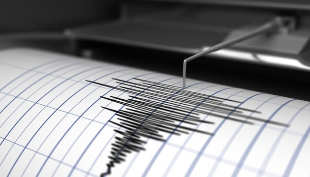 Смертельний землетрус у Філіппінах «вихлюпав» воду з басейну на даху хмарочоса. ВІДЕО