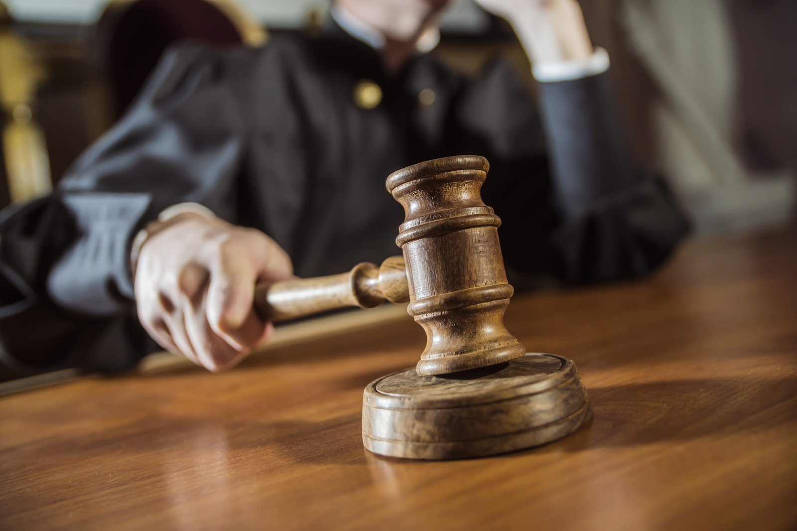 Районний суд Волині поновив на роботі незаконно звільненого працівника