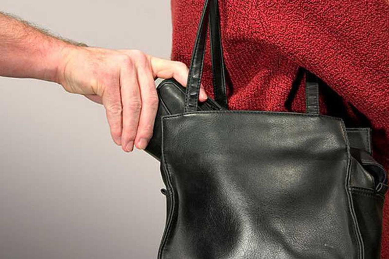 У посадовиці Луцькради викрали гаманець — вона просить допомогти повернути документи