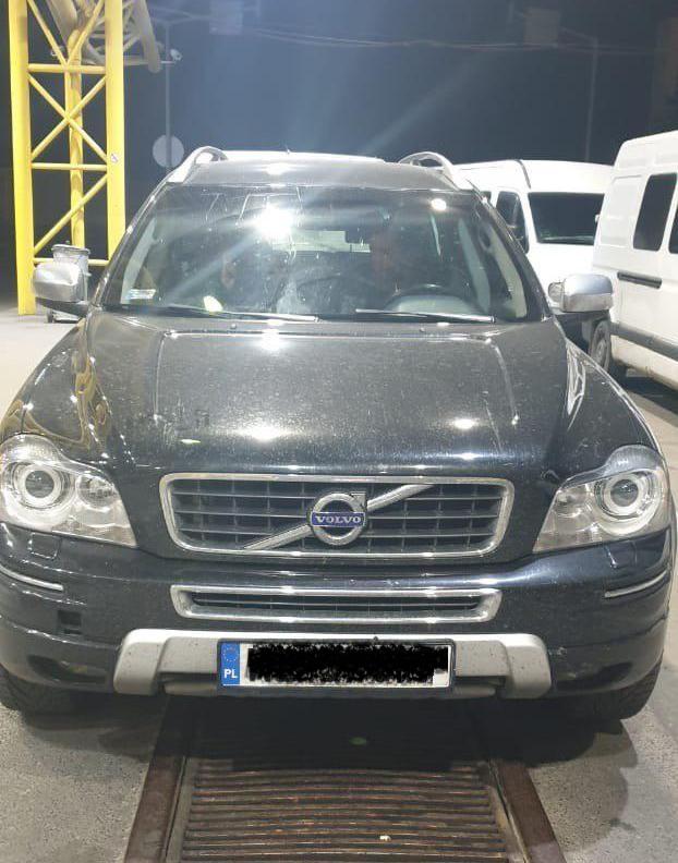 На Волині виявили два викрадені автомобілі, які розшукував Інтерпол. ФОТО