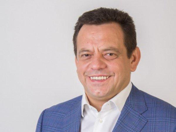 Депутат Луцькради придбав авто за майже два мільйони, приховує свою «аптечну» фірму в офшорі та має мільйони готівки