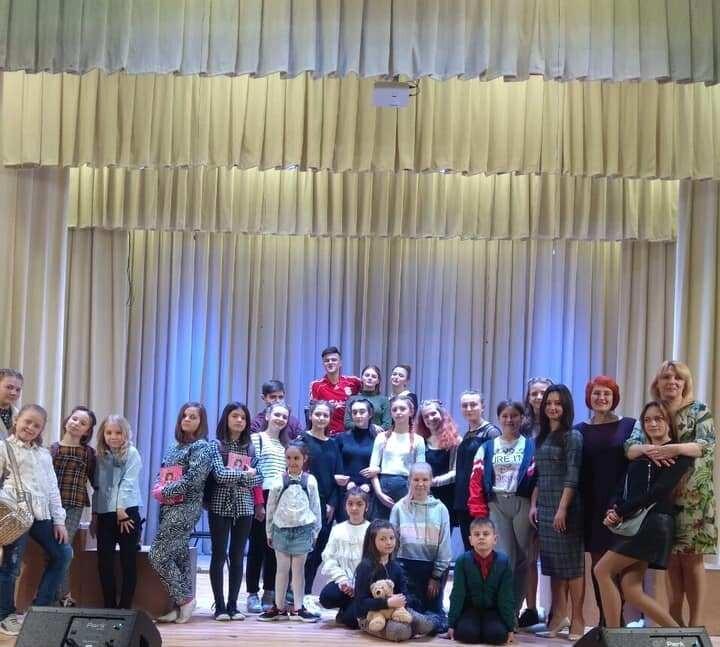 Артисти з Авдіївки презентували інтерактивну виставу у Луцьку. ФОТО