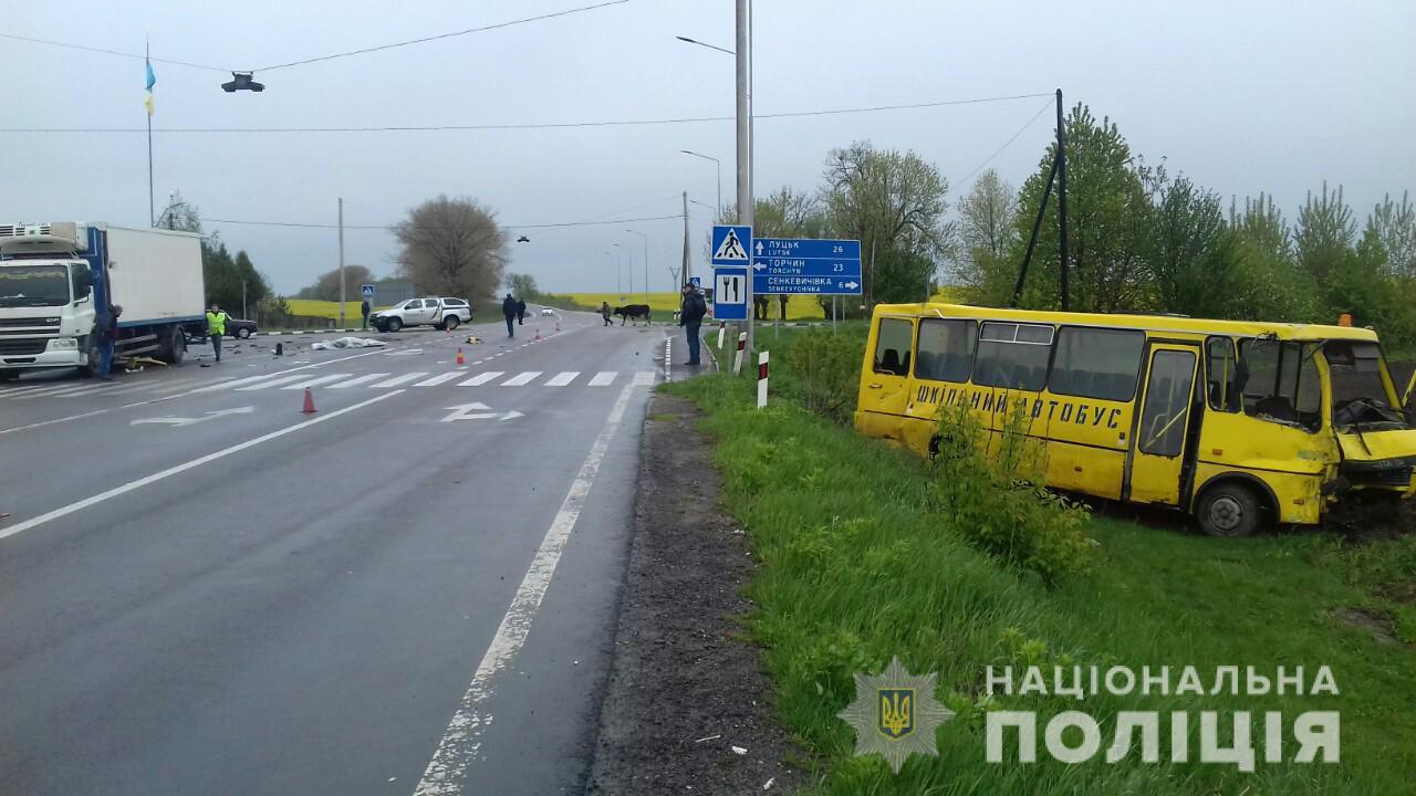 Поліція Волині розслідує летальну ДТП за участі шкільного автобуса