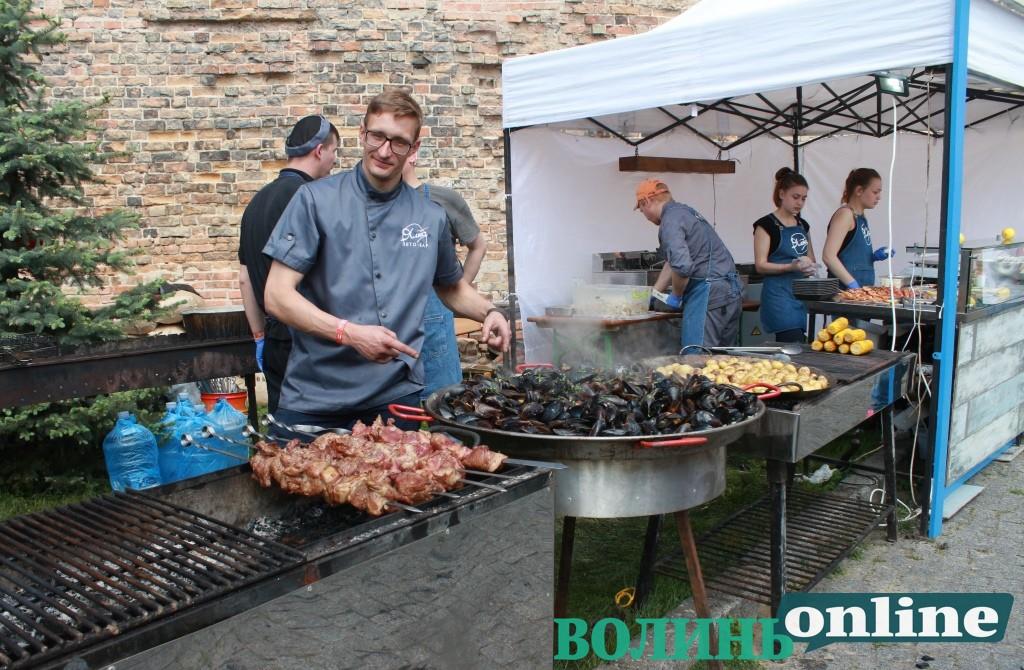 У Луцькому замку триває «Lutsk Food Fest: Гастротур». ФОТО