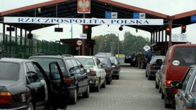 На кордоні з Польщею — черги