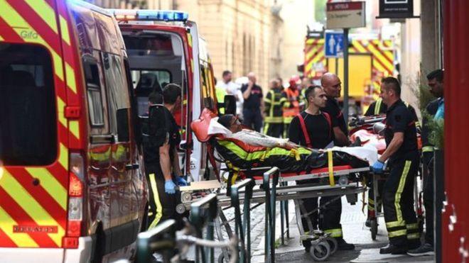 У французькому місті стався вибух «поштової бомби», серед постраждалих дитина