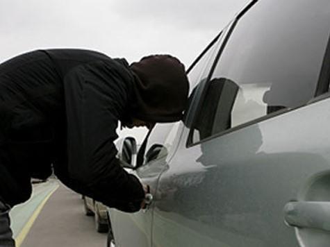 Поліцейські повернули волинянину викрадений зловмисником автомобіль