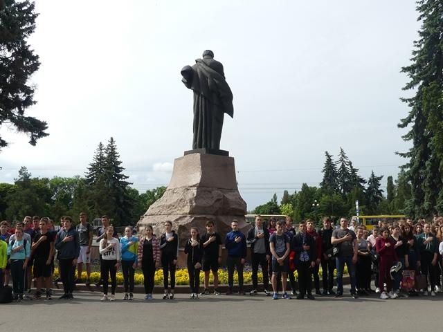 Студенти Лесиного вишу пробігли «зелену» милю. ФОТО