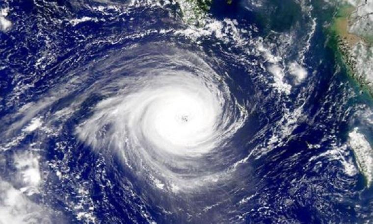 В Індії евакуювали 800 тисяч людей через загрозу руйнівного циклону
