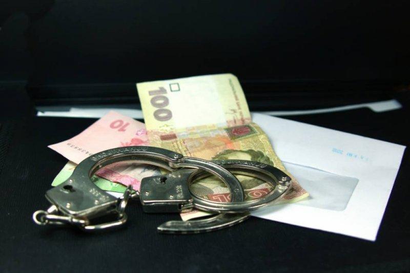 Волинянину загрожує до чотирьох років позбавлення волі за хабар патрульним