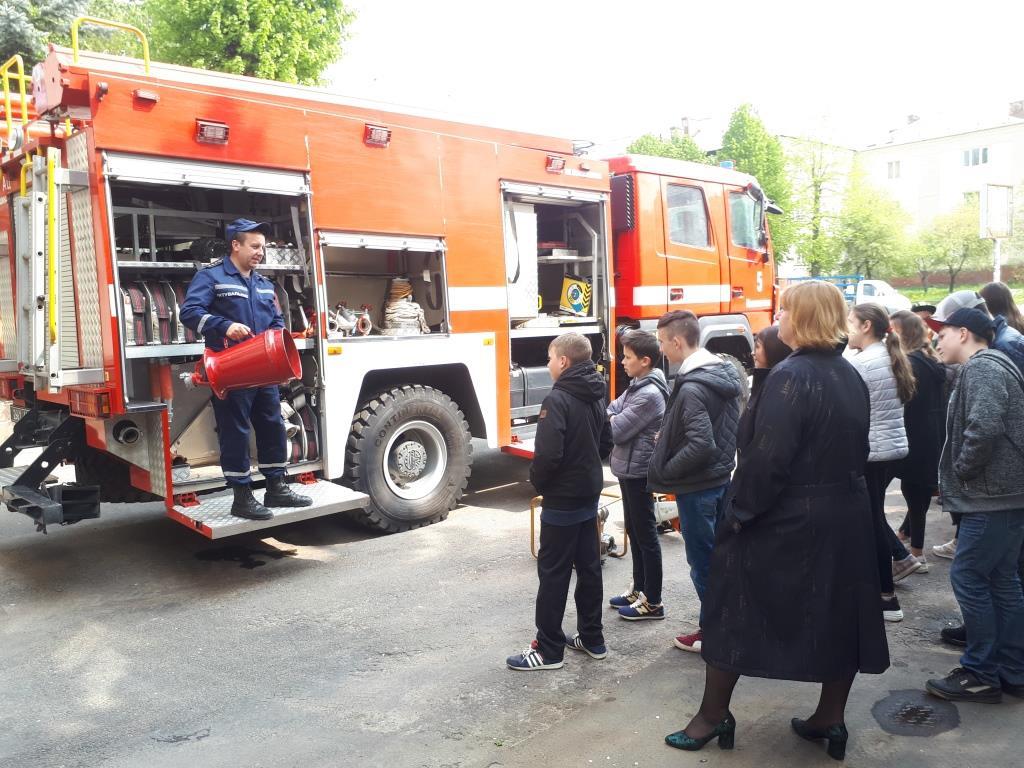 На Волині старшокласники завітали на екскурсію до рятувальників. ФОТО