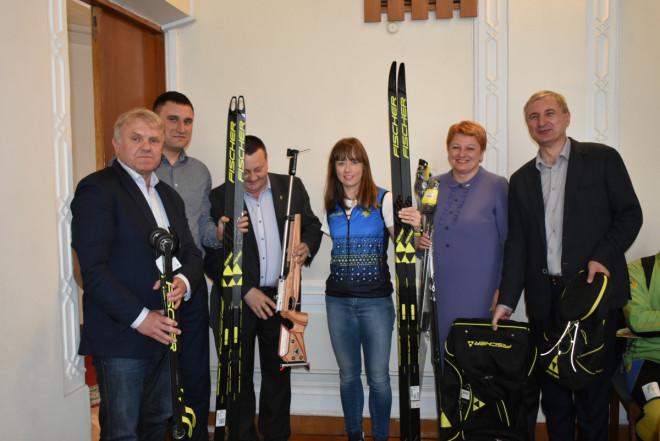 Волинській чемпіонці Паралімпійських ігор вручили спортивний інвентар