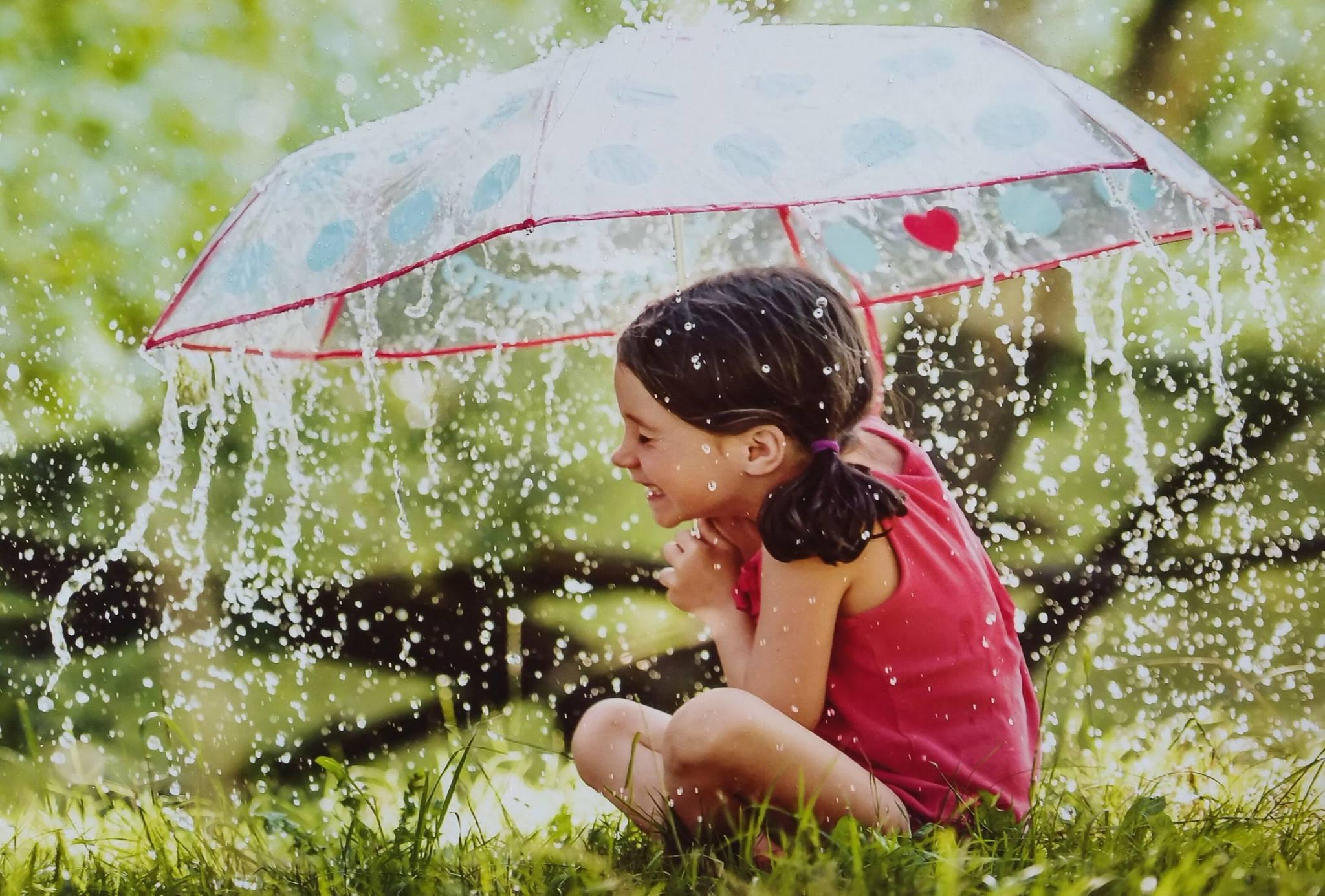 Українцям обіцяють дощі та до +30°