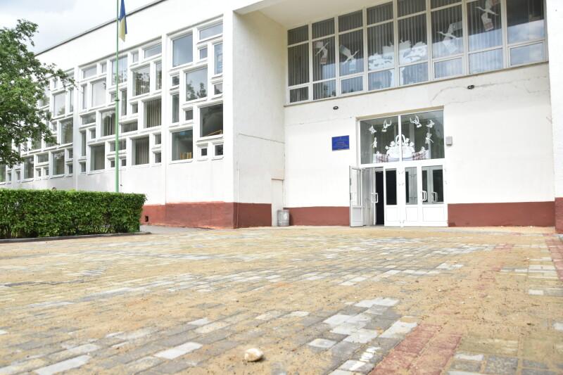 У Луцьку активно триває ремонт доріг та прибудинкових територій. ФОТО