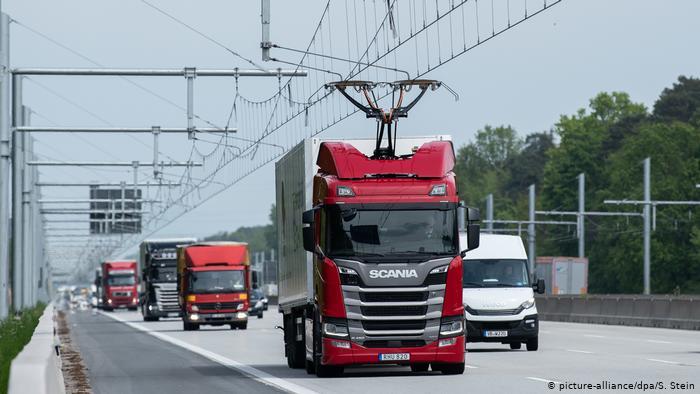 У Німеччині відкрили перший електроавтобан